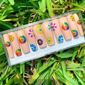 NWT! Murakami Kylie Jenner Inspired Press-On Nails
